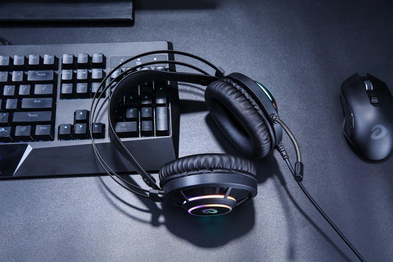 Casti Pentru Gaming Dareu EH469, Microfon, Lumina RGB, Cablu 2.5 m, Conexiune USB